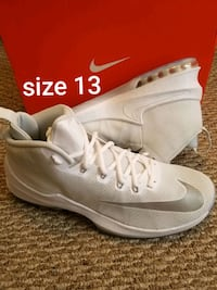 NEW Nikes mens size 13 only West Allis, 53214