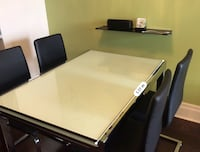Expandable dinning table set with 4 chairs Markham, L6G