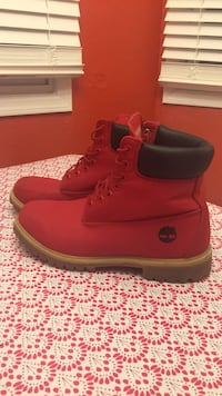 Red Canvas Timbs MEN Urbandale, 50322