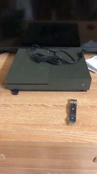 xbox one 1tb with red dead  Colorado Springs, 80913