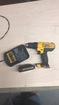 dewalt 20v drill with  battery and charger included Clifton