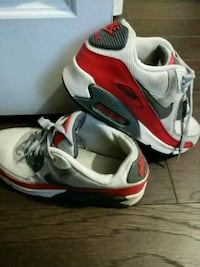 pair of white-and-red Nike basketball shoes Wadsworth, 60083