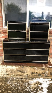 Three piece dresser