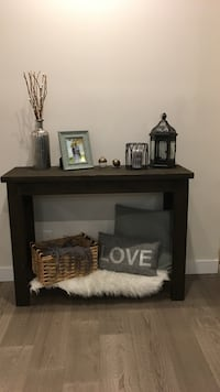 Custom wooden console table  Lake Country, V4V 2P8