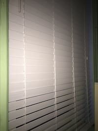White 2 &1/2' window blinds ,size 40x72