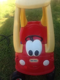 Red and white little tikes cozy coupe Oxnard, 93030