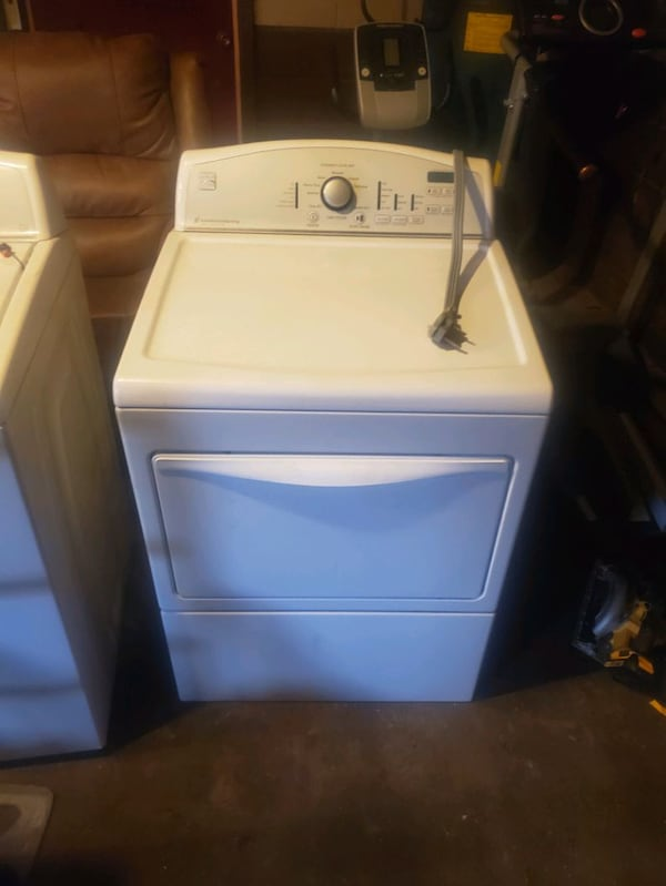 Kenmoore washer and dryer  b8106d8f-8ea7-4d44-b654-3e3974ce055f