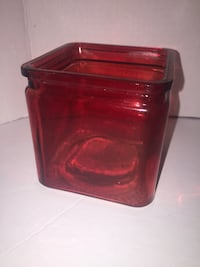 Red Square Decorative Glass Vase for Christmas Valentines Day or Thanksgiving Toronto, M5G
