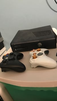 black Xbox 360 console with controller Rocky Point, 11778