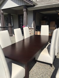 Paid over $5000 for this dining room set need it gone make me a offer