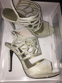 Gold Open Toe Heels, Sz 6 Miami, 33176
