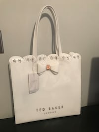Ted Baker white scallop shoppers bag