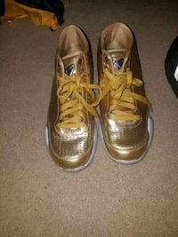 gold low top sneakers Severn, 21144
