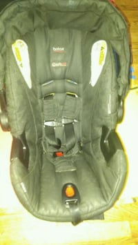 baby's black and gray car seat Temple Hills, 20748