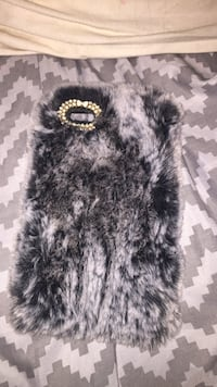 Black and white fur iPhone case  541 km