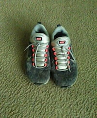 pair of gray-and-orange Nike running shoes Temple, 76504