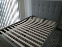 Double size Fabric tufted headboard and bed frame for sale  Mississauga, L5R 3P8
