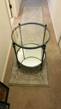 END TABLES- Like new -(2) Akron, 44303