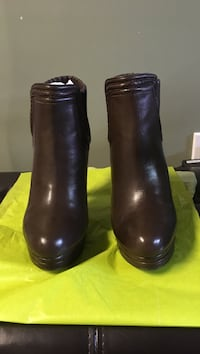 Max studio brown boots size 9