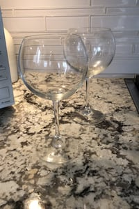 Red wine balloon glasses Vaughan, L6A 2M6