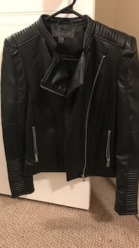 Leather jacket for women  Cambridge, N1R 8G3