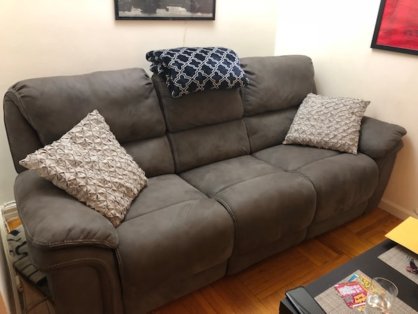 Used Raymour Flanigan Skye Microfiber Power Reclining Sofa Couch For