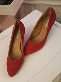 Size 7 urban outfitters suede red heels Falls Church, 22043