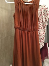 Orange dress! Perfect for fall :) 724 km