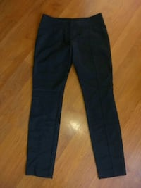 women's pants size 4 stretchy St. Catharines, L2T 2E5