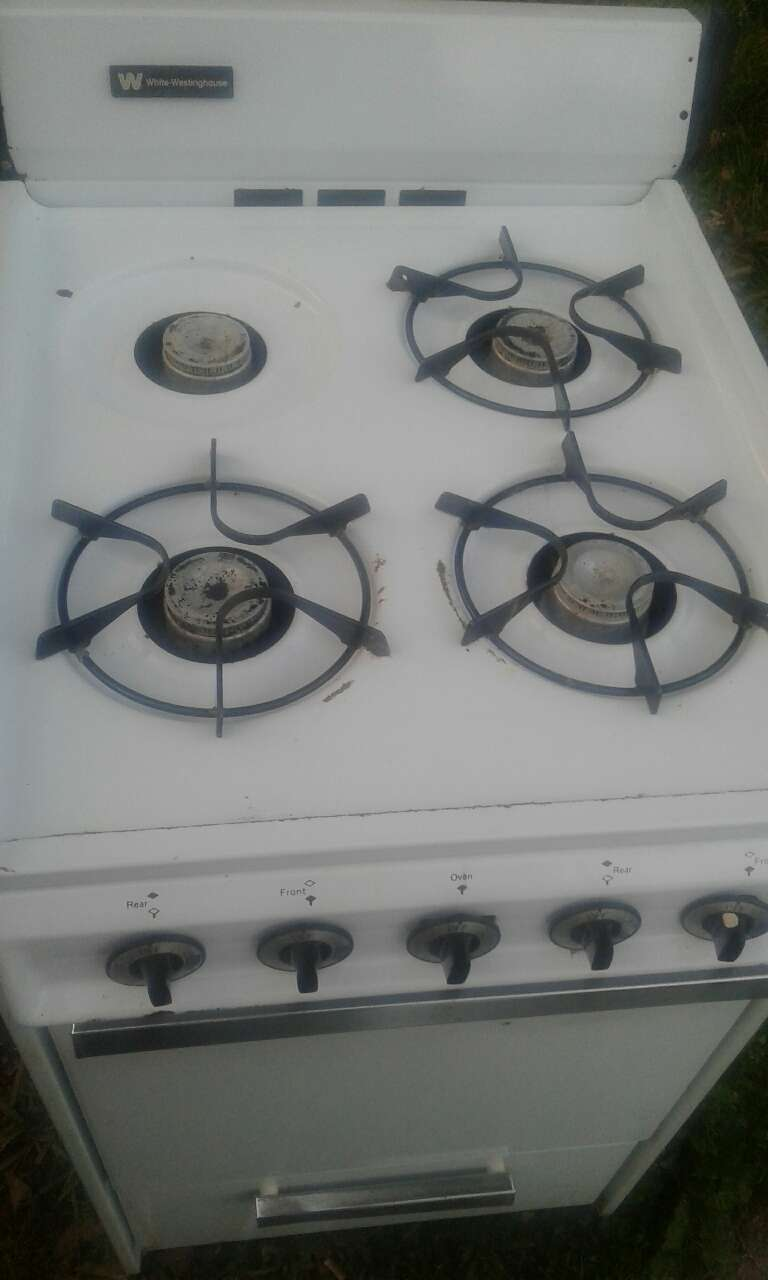 Used Apartment Size Used Gas Stove In McGehee
