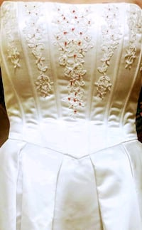 Wedding Dress with chapel train Albany, 97322