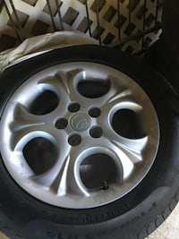 Gray toyota 5-spoke car wheel with tire Castlegar, V1N