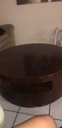 round end table Holly Hill, 32117
