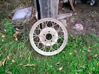 2 Ford Model A rims 607 km