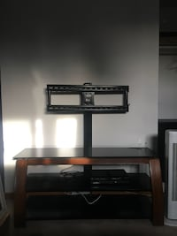Tv entertainment unit with mount Guelph, N1E