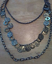 Metal 3 tiered necklace