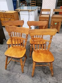 4 chaises Longueuil