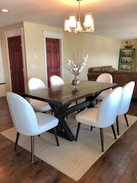 Rustic dining table Kelowna, V1Z 1W5