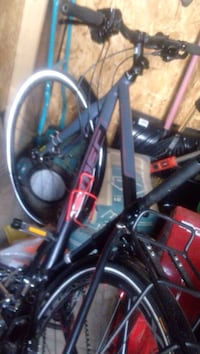 Black and red hardtail mountain bike Gatineau, J8Y 2A5