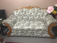 gray and white floral fabric 2-seat sofa 3118 km