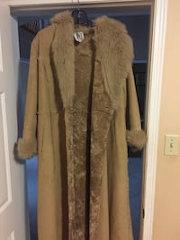 Light brown long coat size M-never worn+free matching boots size 7.5 Vaughan, L4L 7G4