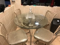 "36 "" Round dining set table with whirl Hi Chairs.   Yonkers, 10710"