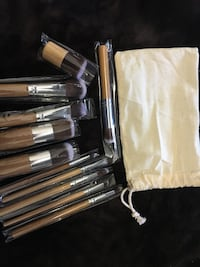 Bamboo makeup brushes with bag Toronto, M4T 1G6