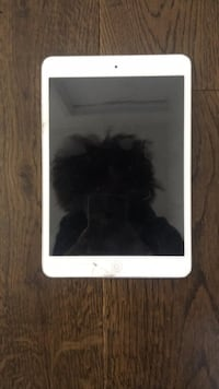 iPad (used) New York, 11206