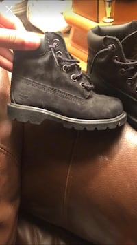 Pair of black timberland work boots 70 km