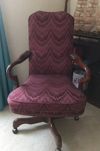 Real wood/Fabric Executives Chair Greer, 29650