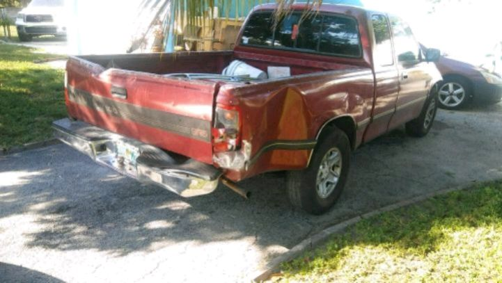red Chevrolet Silverado extra cab pickup truck for sale  Sunrise