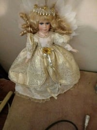 Collectors baby doll in white dress San Angelo, 76903