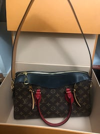 Authentic Louis Vuitton Bag  Dearborn Heights, 48127