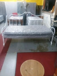 glass white iron day bed Capitol Heights, 20743